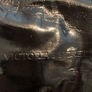 Victoria's Secret Bags - Victoria's Secret used black tote w snaps